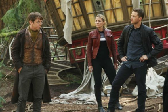 gallery-1474899740-once-upon-a-time-season-6-episode-1-david-jeckyll-emma